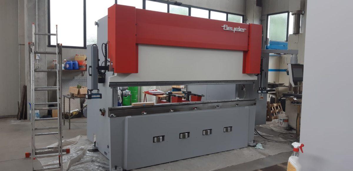 Press brake BEYELER 125×3000